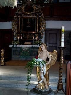 Altarraum mit Taufengel